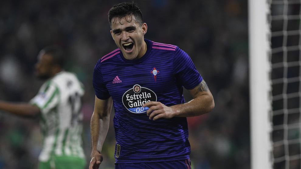 Maxi Gómez celebrando uno de los goles marcados ante el Betis.