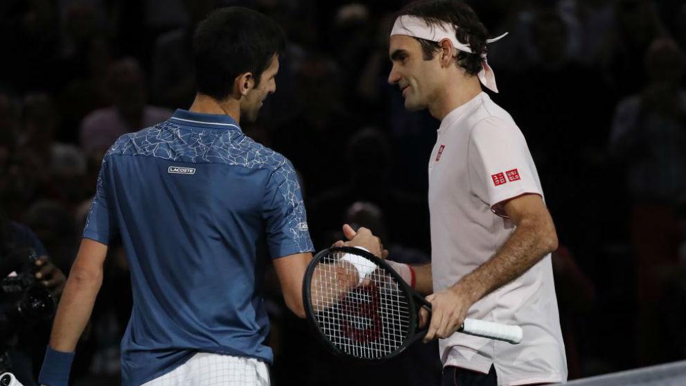 Djokovic y Federer se saludan en la red