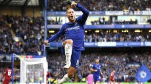 Eden Hazard celebra un gol con el Chelsea.
