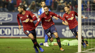 Juan Villar celebra uno de sus goles