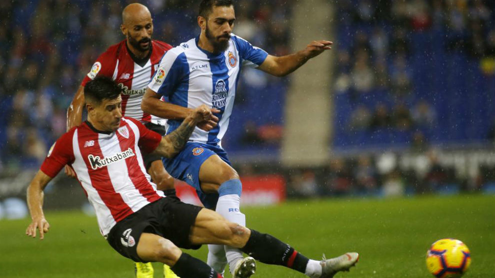 Borja Iglesias, contra el Athletic.