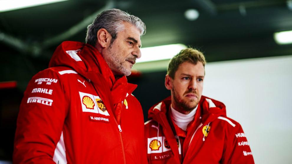 Maurizio Arrivabene y Sebastian Vettel