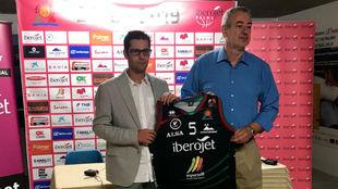 Guillem Boscana, a la derecha, en la presentación de un patrocinador.