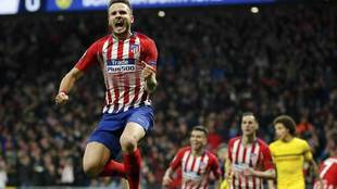 Saúl celebra el primer tanto del Atlético.
