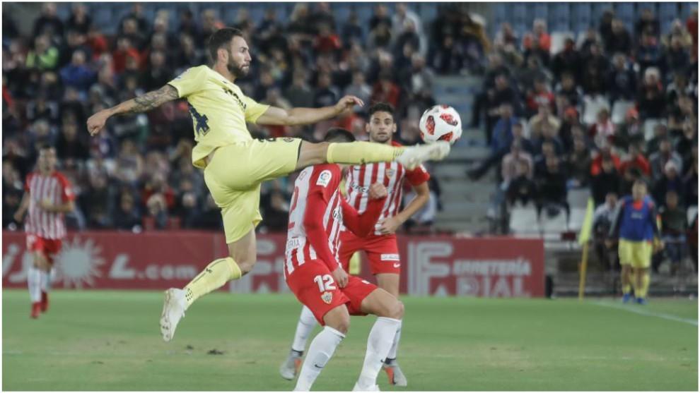 Layún, en un partido con el Villarreal ante el Almería de la Copa...