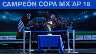 El trofeo de la Copa ya se encuentra en la Noria