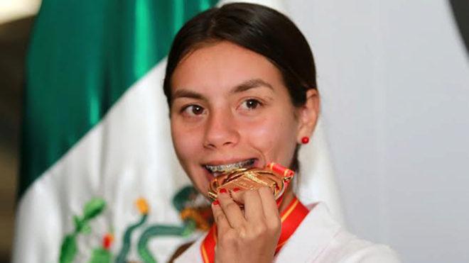 Canelo Álvarez gana el Premio Nacional del Deporte junto a Alegna Gonzále