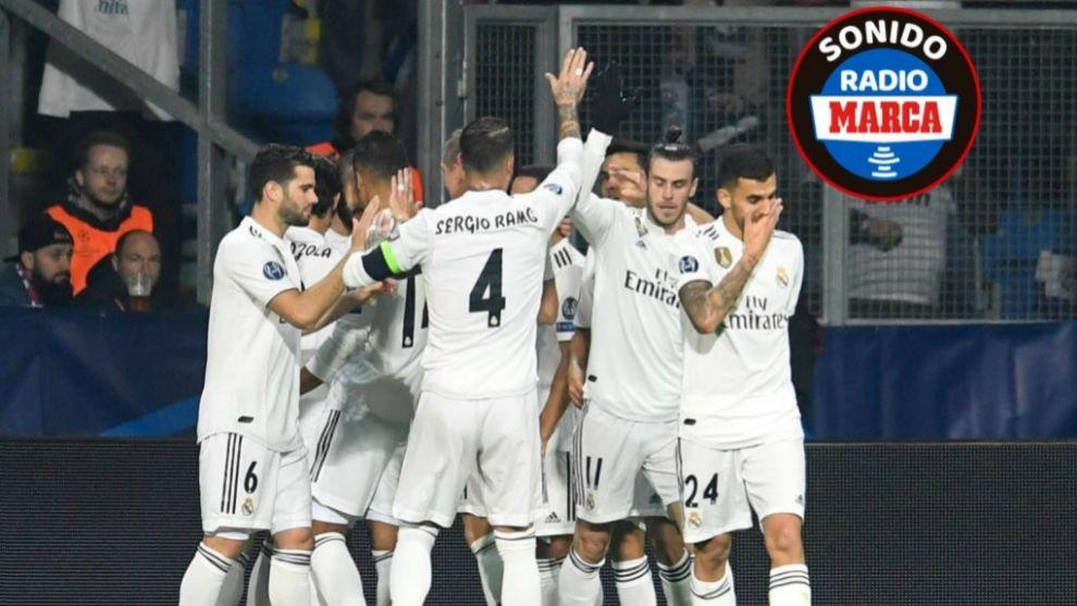 Los jugadores del Real Madrid celebran un tanto