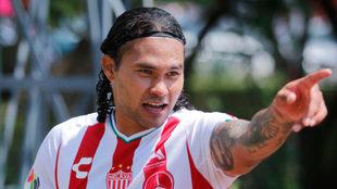 Carlos Peña volverá al fútbol de Escocia.