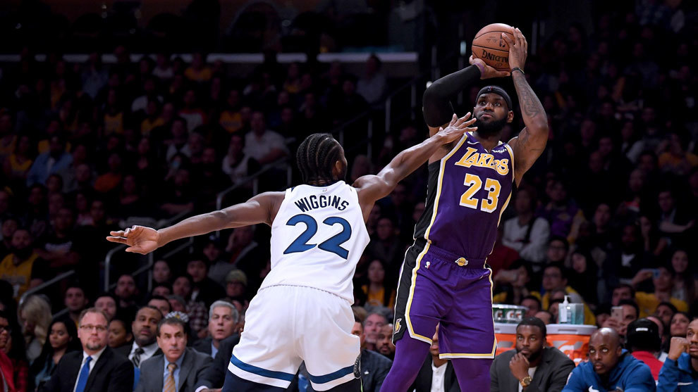 LeBron James lanza ante Wiggins