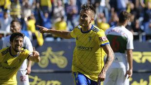 Salvi celebra el gol que le marcó al Elche la pasada jornada liguera