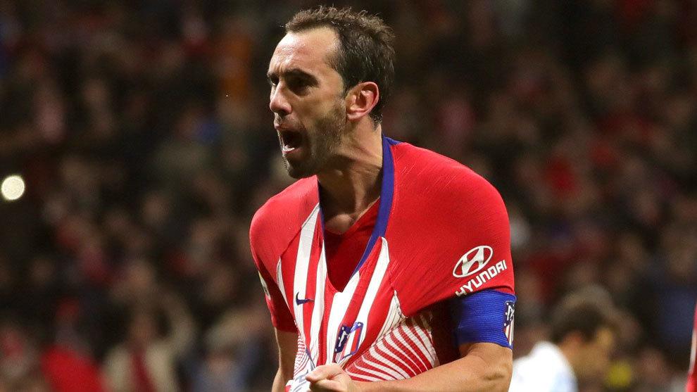 Diego Godín celebra un gol con el Atlético
