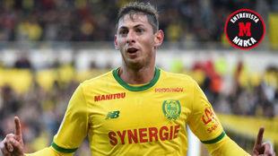 Sala celebra uno de sus últimos goles con el Nantes.