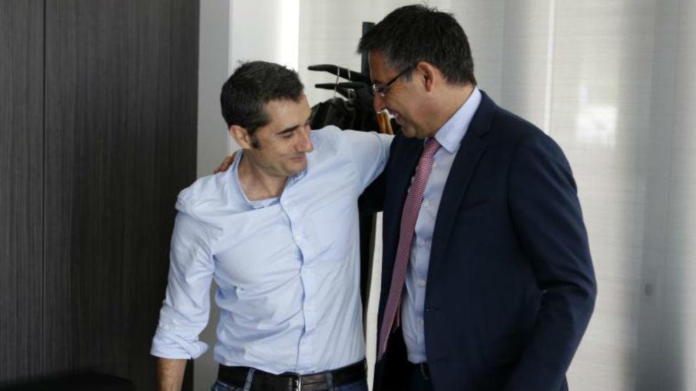 Ernesto Valverde and Josep Maria Bartomeu.