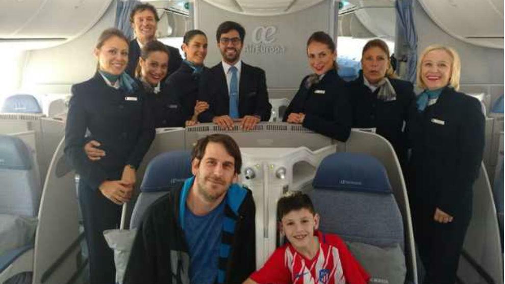 Manu, viajando con Air Europa.