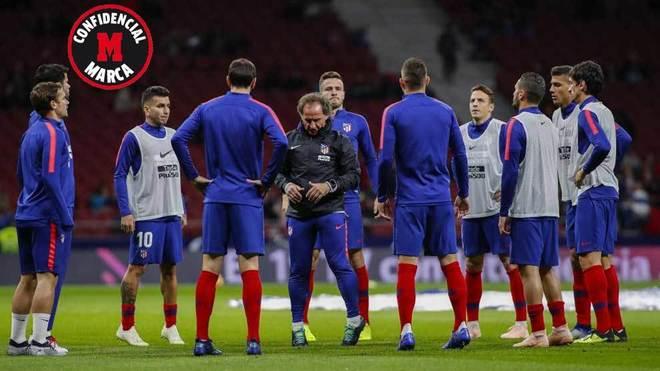 Tensión e indignación en el vestuario del Atlético