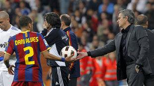 Dani Alves y Mourinho