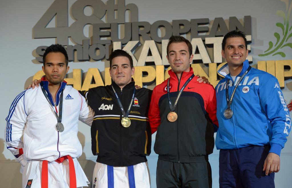 Damián Quintero, de negro, con el bronce del Europeo de 2013.