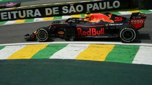 Verstappen, en los Libres 1 de Brasil.