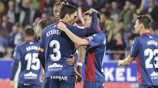 Xabi Etxeita celebra su gol ante el Getafe.
