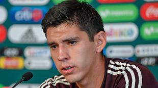 Jesús Angulo en conferencia de prensa con la selección mexicana