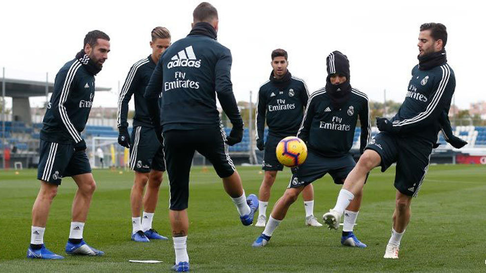 Carvajal and other Real Madrid's players.