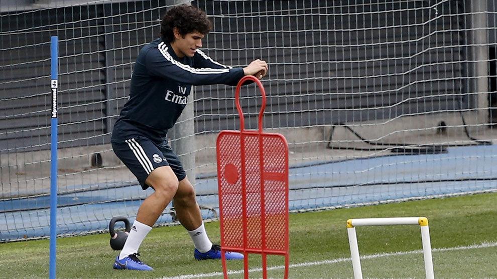Jesús Vallejo entrenando.