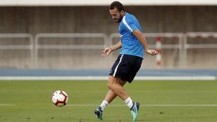 Keidi Bare, durante un entrenamiento con el Málaga.