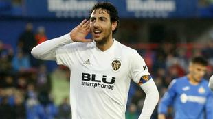Parejo hace un gesto a la afición del Getafe tras marcar su gol.