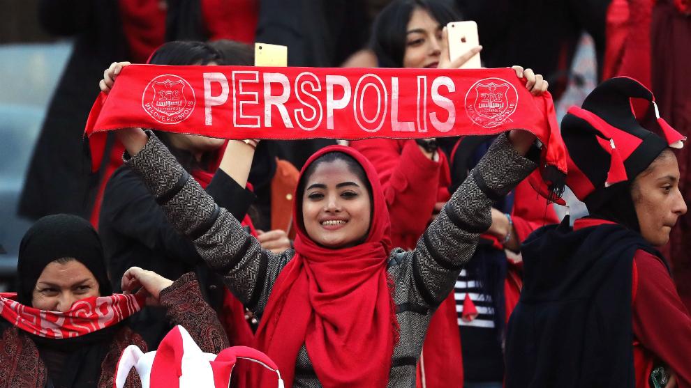 Una aficionada durante el partido entre Persepolis y Kashima Antlers