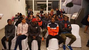 Los atletas principales, en el acto de presentación.
