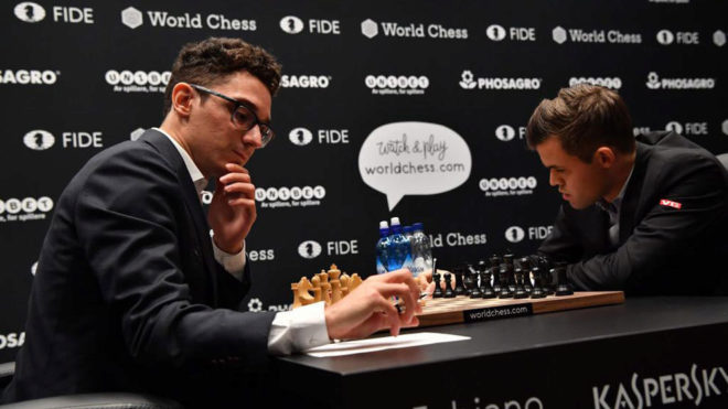 Caruana y Carlsen, en partida del campeonato del mundo.