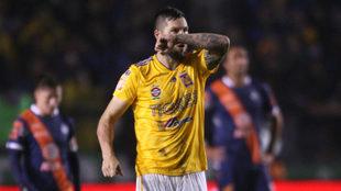 Gignac celebra su primer tanto ante el Puebla