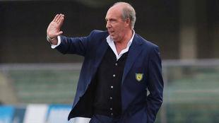 Gian Piero Ventura da indicaciones contra el Bolonia.