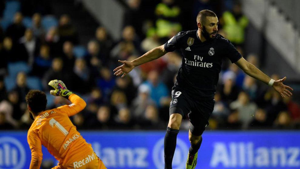 Karim Benzema celebrates a goal.