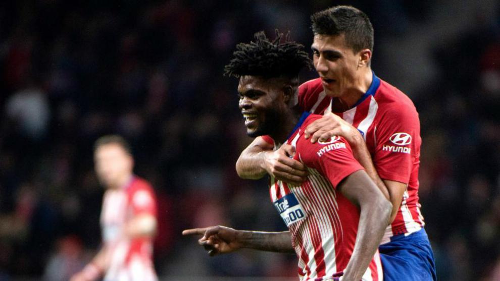 Rodrigo celebra con Thomas el gol del ghanés.