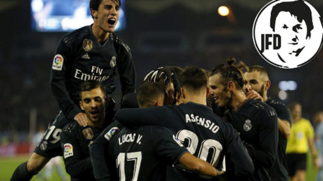 Real Madrid's players celebrate a goal.