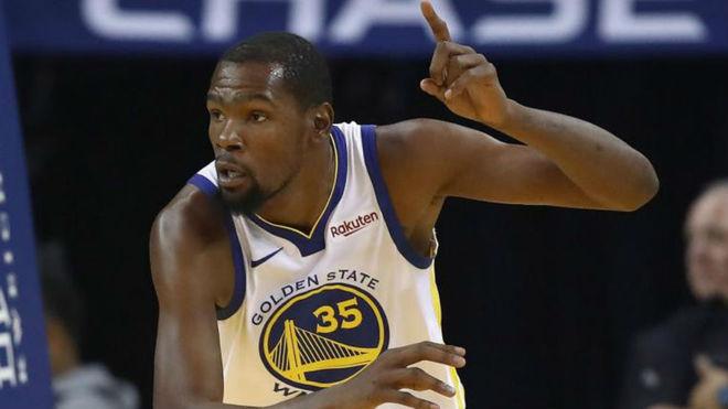 Kevin Durant jugando con los Golden State Warriors