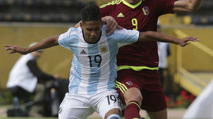 El volante de La Academia, tercera baja de Argentina