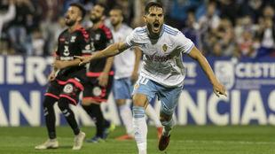 Javi Ros celebra su gol al Tenerife