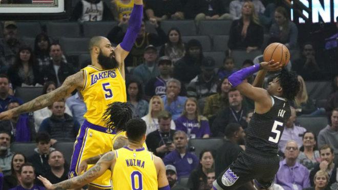 LeBron James se convierte en el quinto mejor anotador en la NBA
