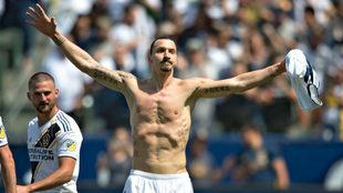 Zlatan Ibrahimovic celebra su primero gol con LA Galaxy