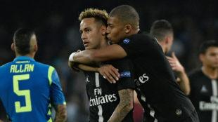 Neymar y Mbappé en el partido de Champions ante el Nápoles.
