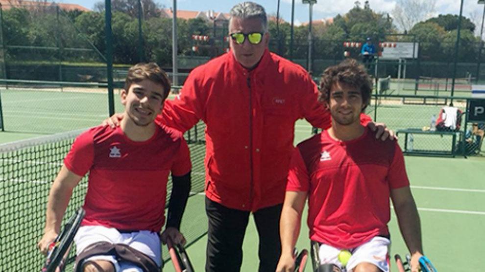 Martín de la Puente (izquierda) y Daniel Caverzaschi (derecha) junto...