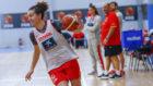 Laura Nicholls en un entrenamiento con la selección española