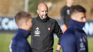 Miguel Cardoso en un entrenamiento con el Celta.
