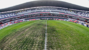 Cancha del Estadio Azteca previo al duelo entre Cruz Azul y Lobos BUAP