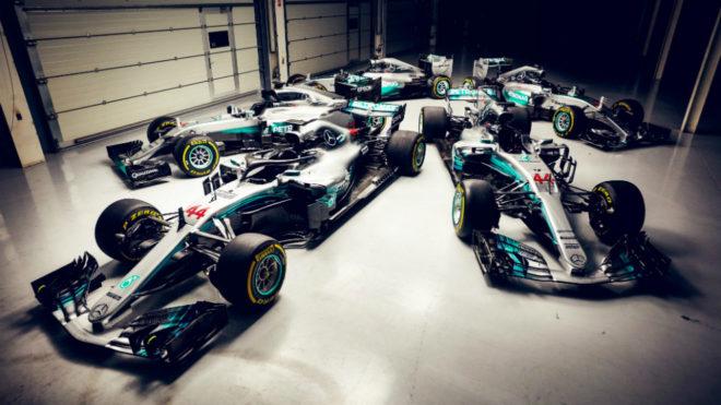 El W09 ya está en el garaje con los otros cuatro coches ganadores de...