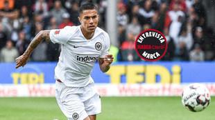 Carlos Salcedo, en un partido con el Eintracht.