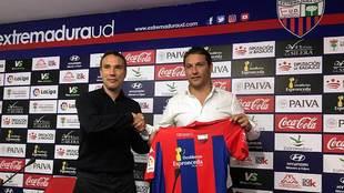 Rodri, presentado como nuevo técnico del Extremadura junto a Daniel...